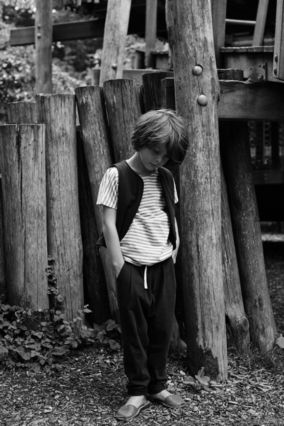 Boy-with-gilet-and-summer-pleated-pant