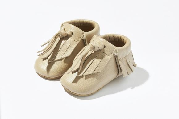 Taupe-moccs-kidsshoes-designershoes-børnesko-indesko-sutsko-mokkasiner-byclara